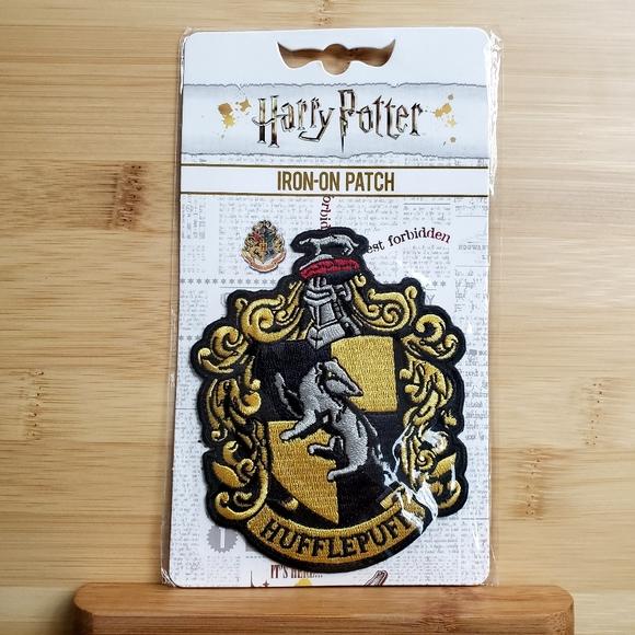 🌻 2/$12 Hufflepuff Iron On Patch Harry Potter